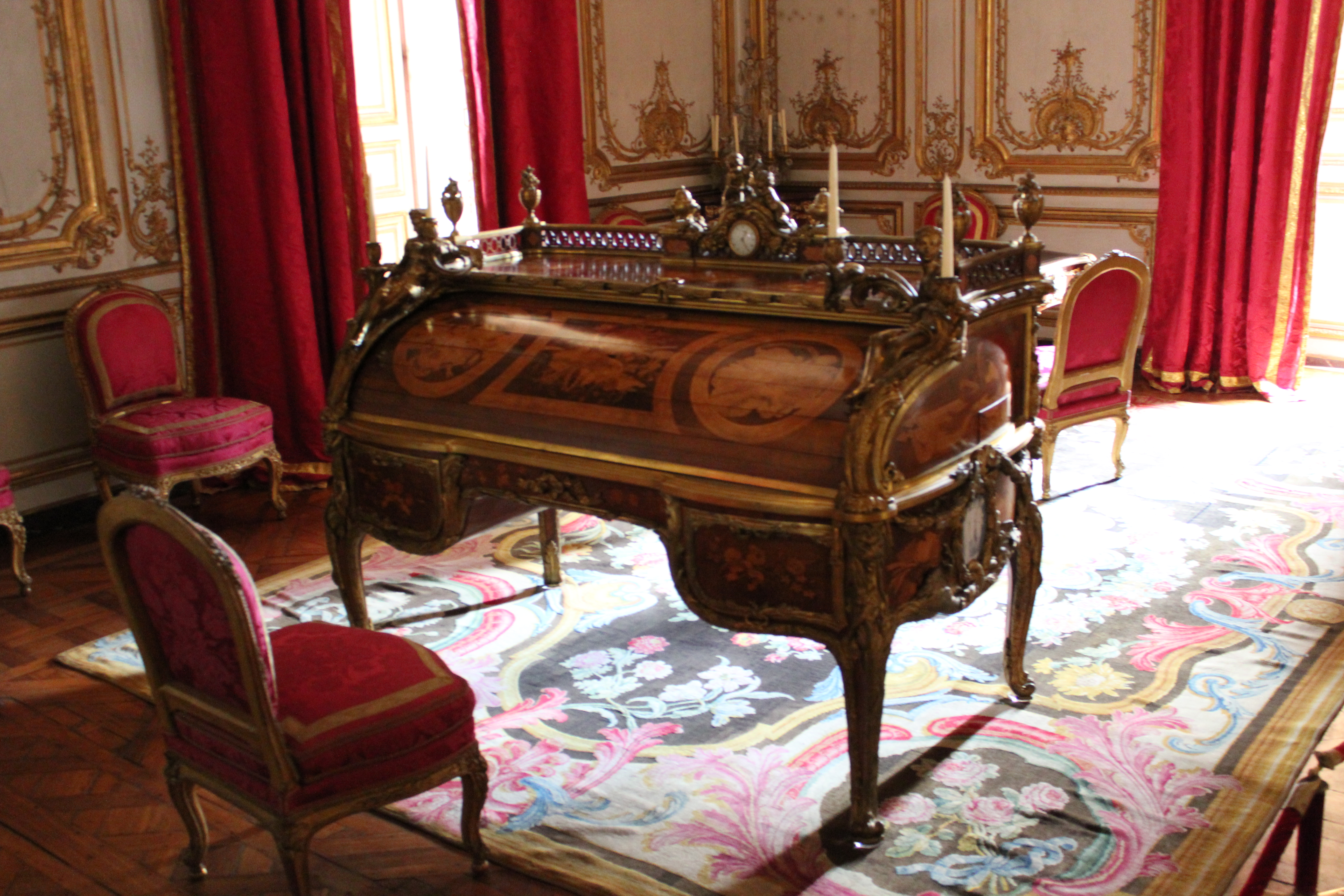 Marie Antoinette Inspired Bedroom Witnessing The Over The Top Splendor Of Versailles Robins Have Wings